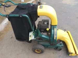 Yard vac chipper shredder vacuum self propelled motor is like new with bagger for Sale in Manchester, CT