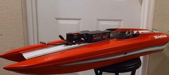 Traxxas catamaran M41 red edition boat for Sale in Pompano Beach,  FL