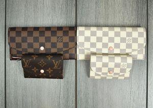 LV Louis Vuitton woman wallet for Sale in Riverside, CA