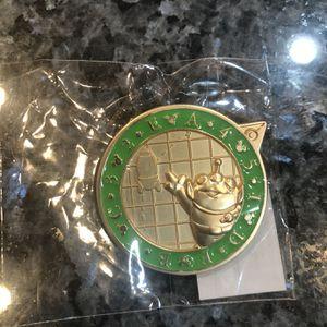 Disney Pin Quest Scavenger Hunt 2016 Buzz Lightyear Little Green Men Brand New for Sale in Cerritos, CA