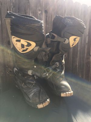 Dirt bikes riding boots, size 7 for Sale in Torrance, CA