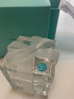 Tiffany &Co Frosted Ribbon Chrystal Trinket box for Sale in Fife, WA