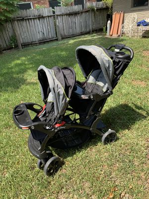 LIKE NEW -Baby Trend Double Stroller Sit N Stand for Sale in Houston, TX