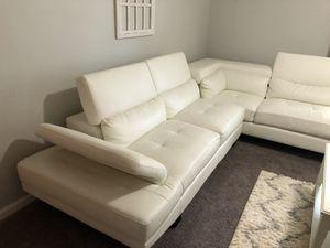 White leather sofa for Sale in Jonesboro, GA