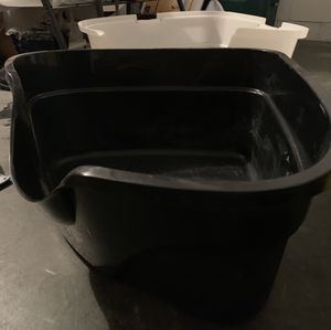Hooded Litter Box and litter for Sale in New Port Richey, FL