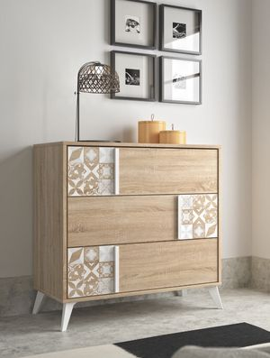 Beautiful 3 drawers chest contemporary made in Europe for Sale in Fort Lauderdale, FL
