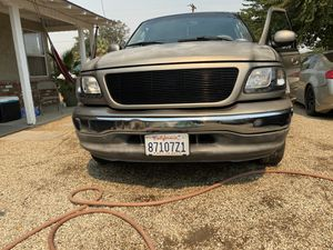2003 FORD F150 CrewCab 5.4liter v8 for Sale in Palmdale, CA