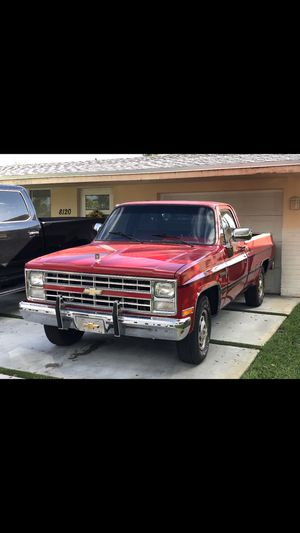 1987 Chevrolet C20 C10 Pickup Truck Silverado GMC Sierra Chevy F150 for Sale in Pembroke Pines, FL