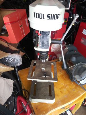 """Drill press 5"""" .chuck opening 1/2"""".like new. for Sale in Glendale Heights, IL"""