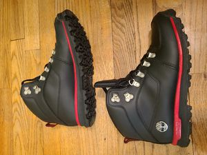 Timberland Boots mens size 8 6314R Black/Red for Sale in Dearborn Heights, MI