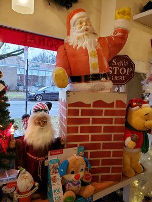 Vintage blowmold Santa in a chimney for Sale in Oak Park, IL