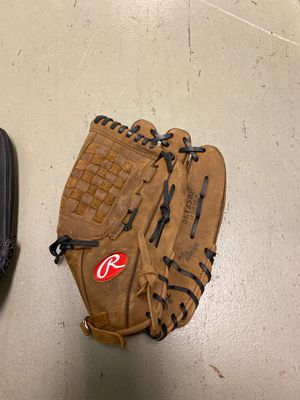 Rawlings baseball glove, leather for Sale in Virginia Beach, VA