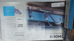Moen banbury kitchen faucet with sprayer for Sale in Austin, TX