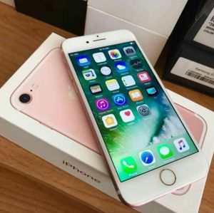 """iPhone 7 128GB ,,Factory UNLOCKED Excellent CONDITION """"aS liKE nEW"""" for Sale in Springfield, VA"""