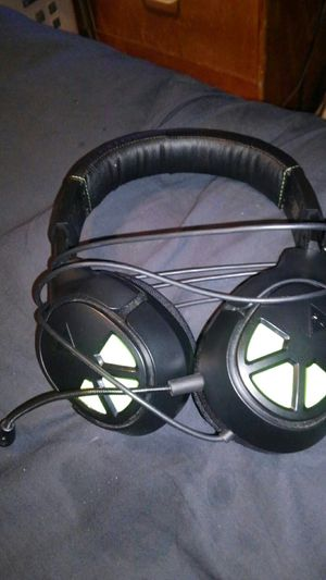Turtle Beach headset for Ps4 or xbox1 for Sale in Dade City, FL