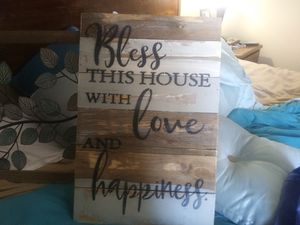 Home decor from bed bath and beyond two for the price of one ! Both for 20$ for Sale in Memphis, TN