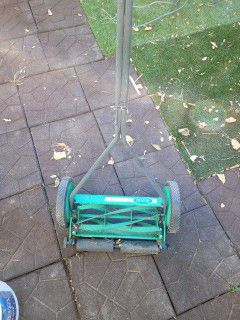 Scotts manual lawn mower for Sale in Colorado Springs, CO