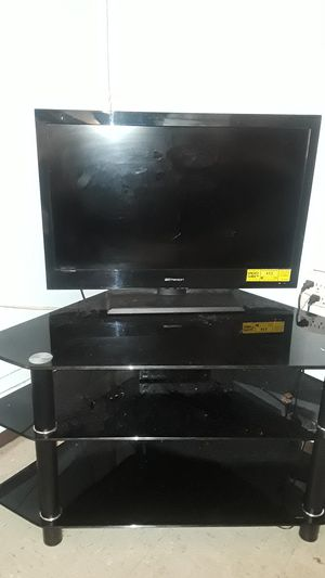 32 inch flat screen TV and stand for Sale in Brooklyn, NY