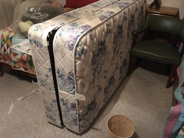 SINGLE BED MATTRESS - Perfect for college room