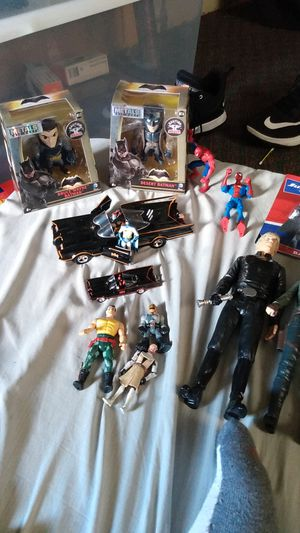 Action figure lot and star wars batman fig for Sale in Massillon, OH