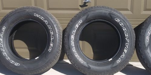 Goodyear Wrangler Tires 275 65 18 for Sale in Falcon,  CO