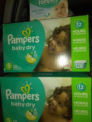 2 Big Boxes of Pampers size 5, 128 count, + 504 wipes. for Sale in Seattle, WA