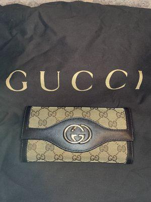 Gucci wallet *Authentic* for Sale in Argyle, TX