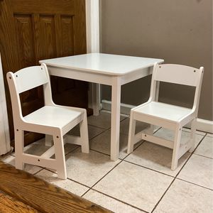 Toddler Table Set With Two Chairs for Sale in The Bronx, NY