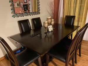 Raymour Flanigan 7 piece dining room table. Extension piece included. for Sale in Queens, NY