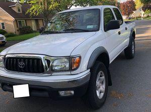 Runs Great Toyota Tacoma 2003 for Sale in Buffalo, NY