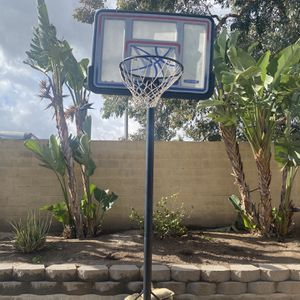 Adjustable Basketball Hoop for Sale in Corona, CA