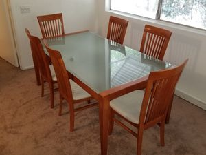 Dining table for Sale in Santa Clarita, CA