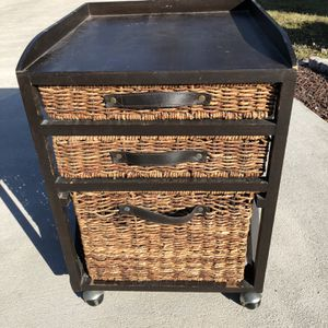 Rolling Filing Cabinet, Brown for Sale in West Palm Beach, FL