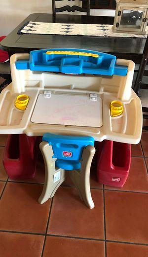 Step 2 Deluxe Art Master Kids Desk w/Chair for Sale in La Mesa, CA
