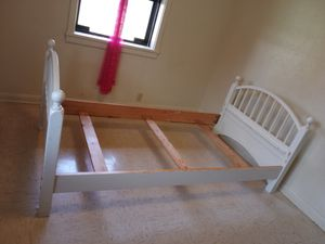 Twin bed frame for Sale in Belton, TX