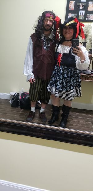 Couples pirate costumes for Halloween for Sale in Buda, TX