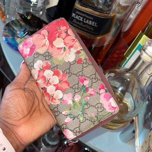 Gucci Wallet Originally $700 Now $250 for Sale in Brooklyn, NY