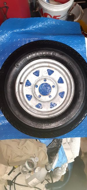 Trailer tire 5 lugs for Sale in Miami, FL