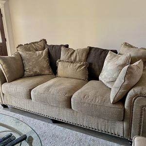 Ashley Furniture Couch for Sale in Bonaire, GA