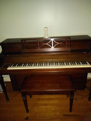 Story and Clark upright piano for Sale in Raleigh, NC