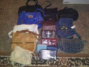 Purses& wallets for Sale in Ankeny, IA
