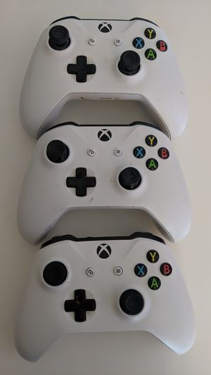 Xbox One Controllers (3) for Sale in Fort Worth, TX