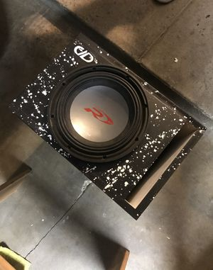 "Alpine type r 10"" sub with custom ported box for Sale in Montclair, CA"