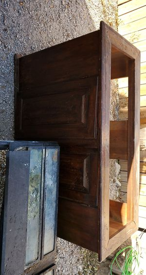 Fish aquarium witb wood stand for Sale in Pleasant Hill, IA