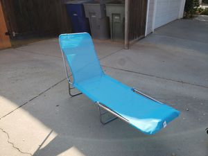 3 swimming pool lounge chairs for Sale in Fresno, CA