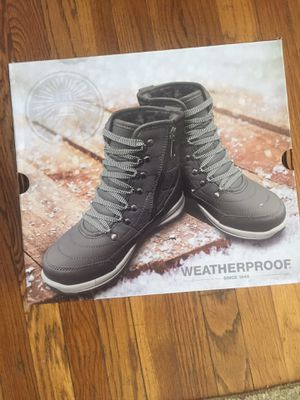 BRAND NEW Weather proof Boots Size9 women for Sale in Spring Valley, CA