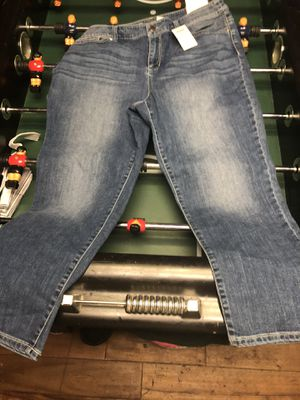 Chico's capris for Sale in Florissant, MO