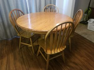 Kitchen Table and chairs for Sale in O'Fallon, MO
