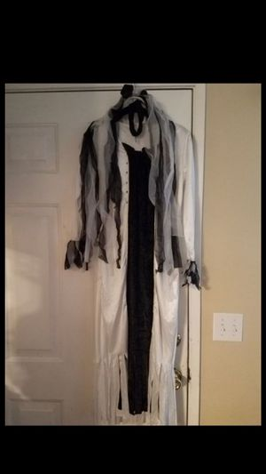 Girls Youth Halloween Bride Size 8-10 Costume for Sale in Buena Park, CA