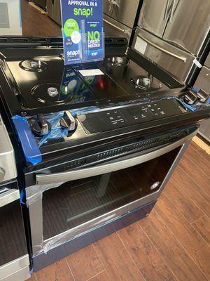 Whirlpool stove for Sale in Santa Ana, CA